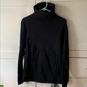 Lululemon black running sweatshirt S